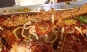 Il piatto disgustoso: calamari+preservativo