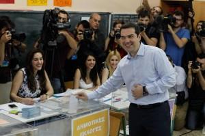 Europee Grecia: Tsipras primo con Syriza (26%). Ma Alba Dorata terzo partito col 9%