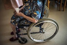 """Madre malata terminale, Inps nega assegno a Elsa Cenci: """"Non è così grave"""""""