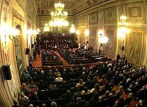 Sicilia fissa tetto stipendi e pensioni d'oro: 160mila € lordi fino al 2016