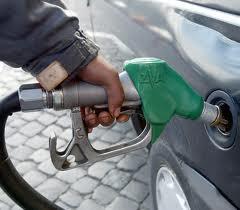 """Benzina, dove costa meno? Te lo dice l'app """"Osserva Prezzi"""""""