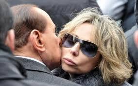 """Berlusconi, primarie destra: """"Io e Marina asfaltiamo tutti"""". Alfano avvisato"""