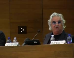 """Flavio Briatore alla Bocconi: """"Ai camerieri del Billionaire 5mila euro di mance"""""""