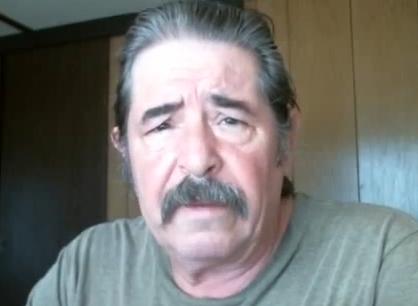 Ron Johnson, l'uomo che da 2 anni non riesce a smettere di ruttare (video)