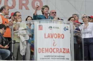 """""""Pensioni, esodati, lavoro, fisco, cassa integrazione"""": sfide di Camusso a Renzi"""