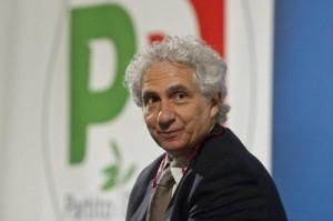 """Corradino Mineo (13mila euro mese) non paga quota Pd: """"La Rai mi pagava di più"""""""