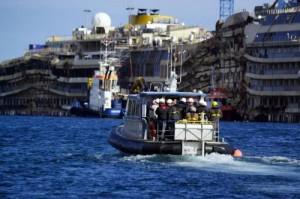 Costa Concordia, cede un cassone per il rigalleggiamento
