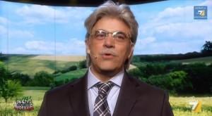 Maurizio Crozza-Antonio Razzi tra prostata, calcio e Conchita Wurst (video)