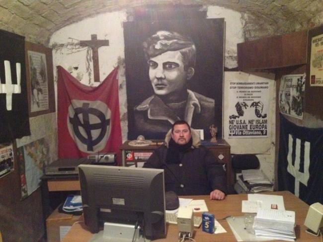 Daniele De Santis detto Gastone, autoritratto di un fascista. Il suo profilo Facebook