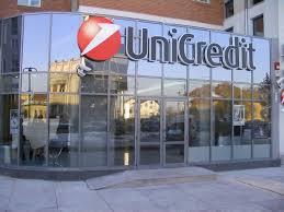 Unicredit, utili sopra 700 milioni
