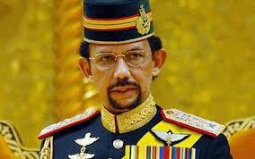 Sharia e lapidazione per gli adulteri. Rivolta contro il sultano del Brunei