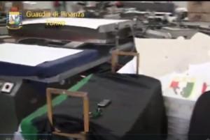 Fabbrica del falso che stampava gadget e maglie della Juve