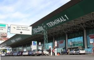 Fiumicino, Ztl in aeroporto e parcheggio breve per chi accompagna