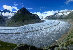 """Ghiacciai sulle Alpi si sciolgono: """"Entro il 2064 spariranno"""""""