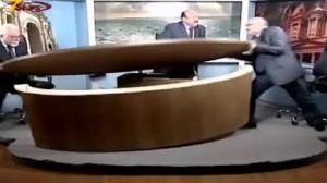Giordania, lite sulla Siria: si picchiano in tv e devastano lo studio