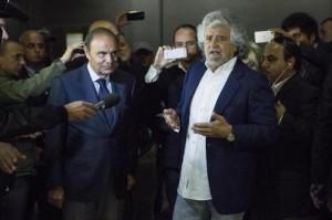 """Beppe Grillo da Vespa: """"Il pubblico è pagato 80 euro"""""""