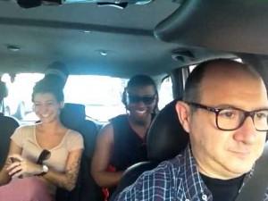 """""""ilduca40"""", il tassista romano che fa cantare i clienti e posta i video su YouTube"""
