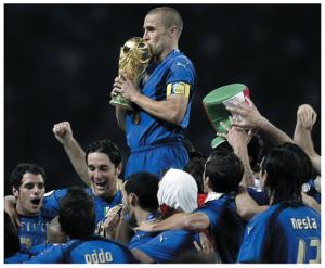 Mondiali 2014, ci piace l'Italia? Vota la Nazionale più antipatica dal '70 ad oggi