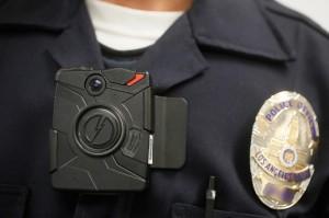 Poliziotti con telecamera in stadi e cortei. Dove l'hanno fatto scontri dimezzati