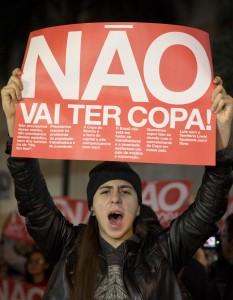 Brasile: proteste anti-mondiali in 50 città