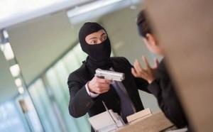 In banca per rapina con taxi, 'mi aspetti qui'; arrestato