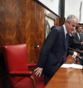 Claudio Scajola, sequestrato l'archivio segreto: file su Matacena, Biagi, G8...