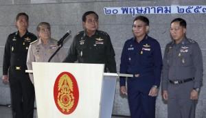 """Thailandia, legge marziale e censura media ma...""""non è colpo di Stato"""""""