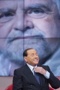 """Beppe Grillo a Berlusconi: """"Io assassino? Lui solo un pover'uomo..."""""""