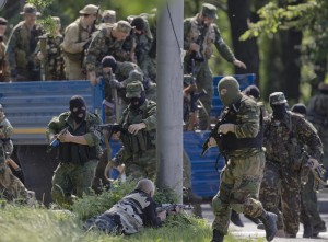 Ucraina, attacco a Donetsk: ucraini sparano su feriti filorussi, almeno 24 morti