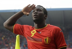 Calciomercato Roma, Chelsea su Benatia: offerti Lukaku e 22 mln di euro