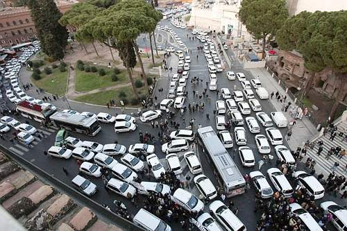 traffico-roma.jpg (500×333)