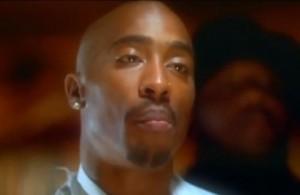 """Tupac Shakur, ultime parole prima di morire: """"Fuck you"""" al poliziotto"""