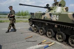 Ucraina, persone usate come scudi umani, morti tra i civili: crisi nell'est