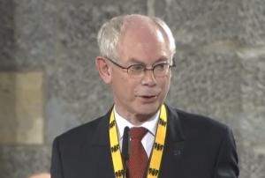 """Gaffe Van Rompuy: """"Europa protegga i lavoratori, non gli affaristi"""""""