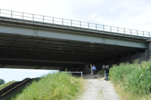 Il luogo dove è stato ritrovato il cadavere della prostituta romena (Lapresse)