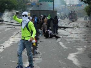 Venezuela, ancora scontri: ucciso un poliziotto a Caracas