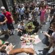 Michael Jackson moriva 5 anni fa: fan spargono 15 rose sulla tomba22
