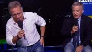 """Paolo Bonolis, Marco Mazzocchi e la """"toccatina"""". Gelo a Notti Mondiali Rai. Video"""