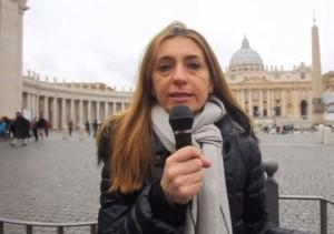 Papa Francesco. Donna capo dicastero della Chiesa? Ride ma non dice no