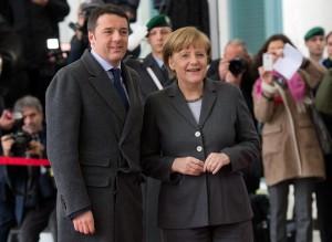 Giuseppe Turani. Renzi media tra Merkel e Hollande, primo successo nella Ue