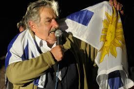 Morso Suarez. Mujica ultrà, l'Uruguay non ci sta