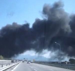 Nola, nube tossica (video). Ma la Siral smentisce l'incendio