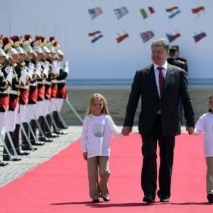 """Ucraina: via all'era Poroshenko: """"La Crimea resta a noi, KIev nell'Ue"""""""