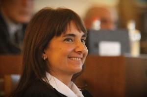 Sara Biagiotti, neo sindaca di Sesto Fiorentino giura sull'iPad