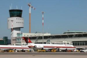 Olbia, fumo in cabina su aereo per Milano: paura e scalo chiuso