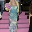 Ilona Staller Cicciolina per una notte coroncina di fiori in testa e orsacchiotto rosa 02