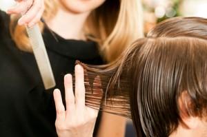 Lavori senza crisi: estetista, parrucchiere, colf e badante. Male i ragionieri