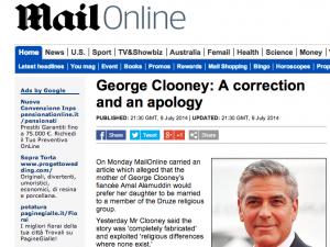 """George Clooney furioso con il Daily Mail: """"Mia suocera non è contro le nozze"""""""