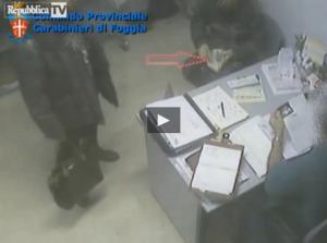 """Cerignola, """"vuoi abortire subito? 100 euro"""": arrestati due medici d'ospedale"""