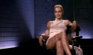 """Sharon Stone senza mutande in Basic Instinct: """"Il regista mi ha tradito"""""""